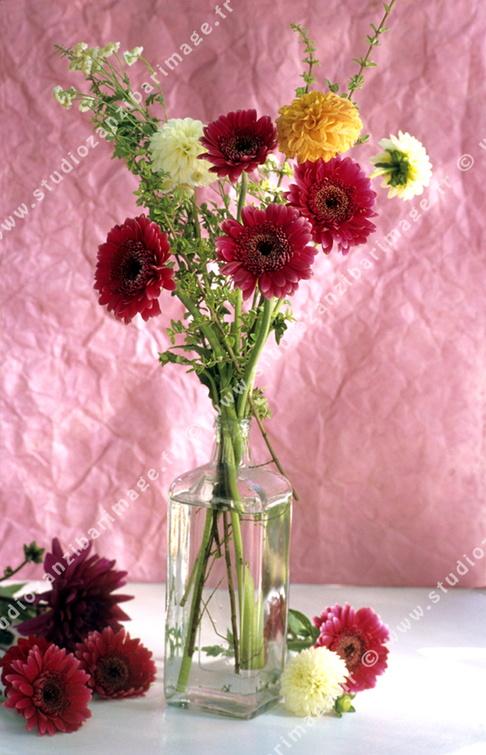 Bouquet de fleurs, pot verre.